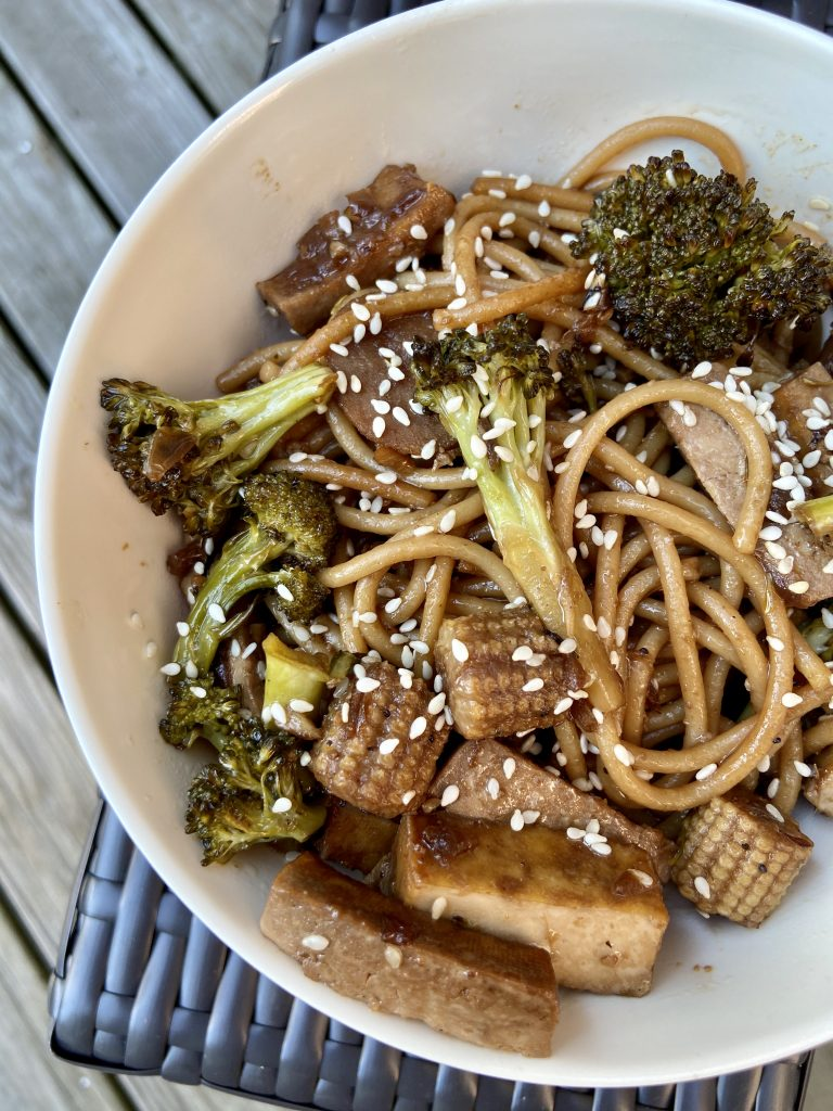 vegetarian lo mein in a bowl